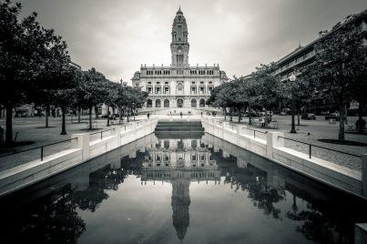 Monumento a Almeida Garrett
