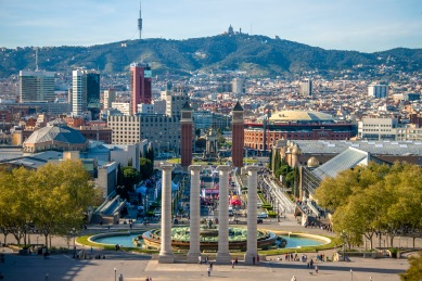 Widok na Barcelonę z placu Pałacu Narodowego